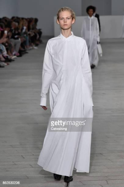 Model walks the runway at the Jil Sander Spring Summer 2018 fashion show during Milan Fashion Week on September 23, 2017 in Milan, Italy.