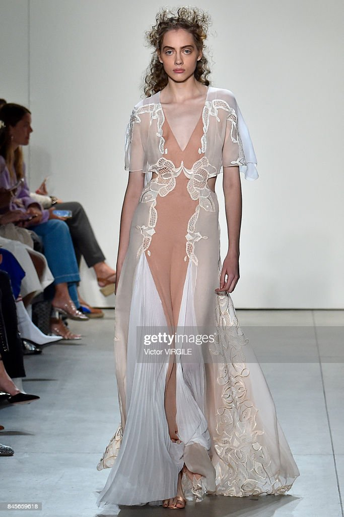 Jonathan Simkhai - Runway - September 2017 - New York Fashion Week : ニュース写真