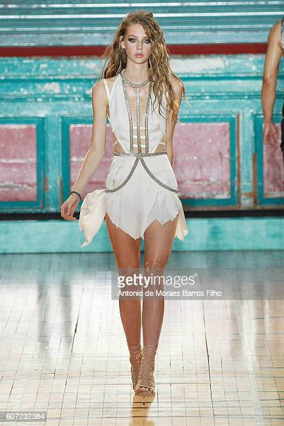 A model walks the runway at the Julien Macdonald show during London Fashion Week Spring/Summer collections 2016/2017 on September 17 2016 in London...