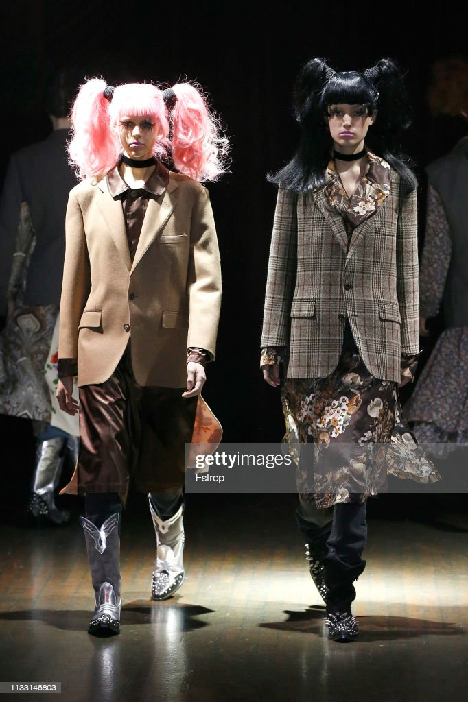 Junya Watanabe : Runway - Paris Fashion Week Womenswear Fall/Winter 2019/2020 : ニュース写真