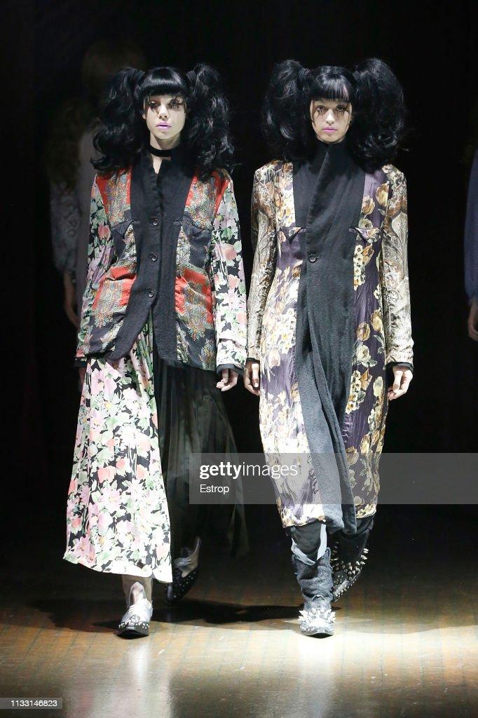 Junya Watanabe : Runway - Paris Fashion Week Womenswear Fall/Winter 2019/2020 : News Photo