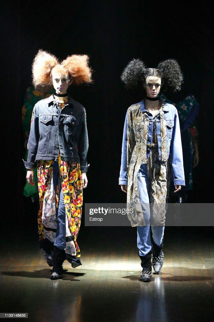 Junya Watanabe : Runway - Paris Fashion Week Womenswear Fall/Winter 2019/2020 : ニュース写真