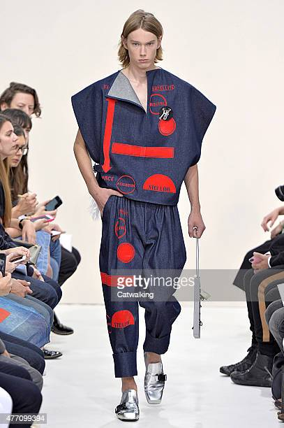 A model walks the runway at the JW Anderson Spring Summer 2016 fashion show during London Menswear Fashion Week on June 14 2015 in London United...