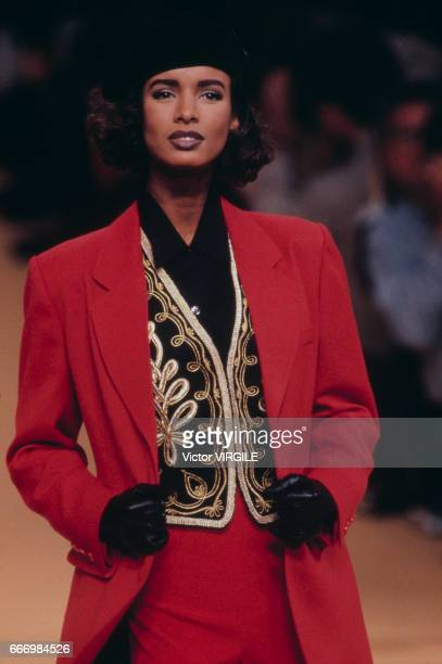 A model walks the runway at the Kenzo Ready to Wear Fall/Winter 19911992 fashion show during the Paris Fashion Week in March 1991 in Paris France