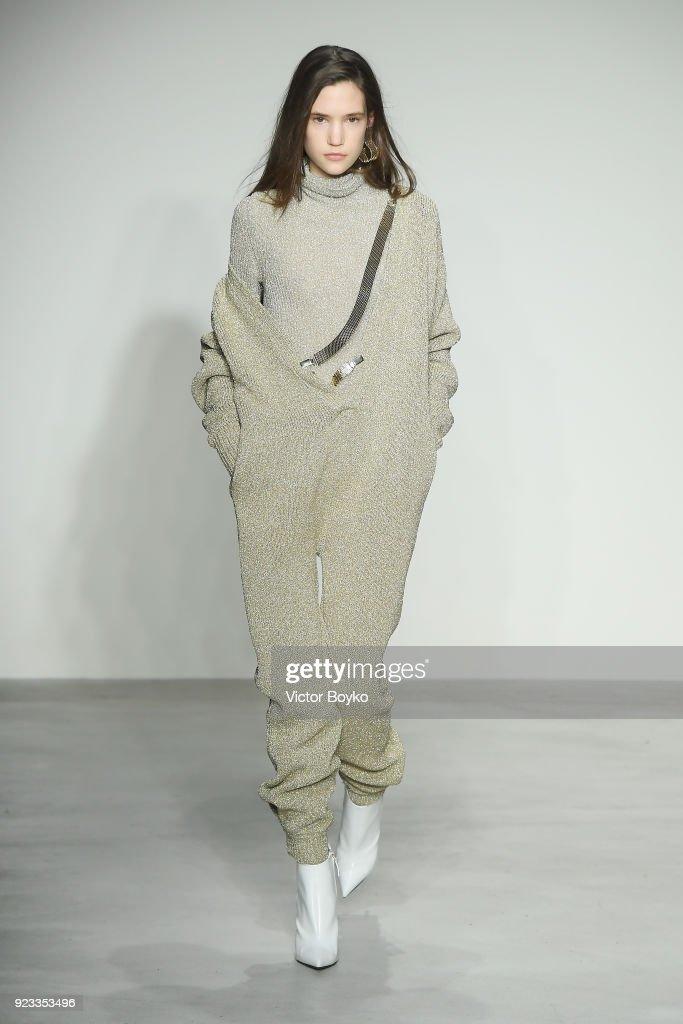 Krizia - Runway - Milan Fashion Week Fall/Winter 2018/19 : Nachrichtenfoto