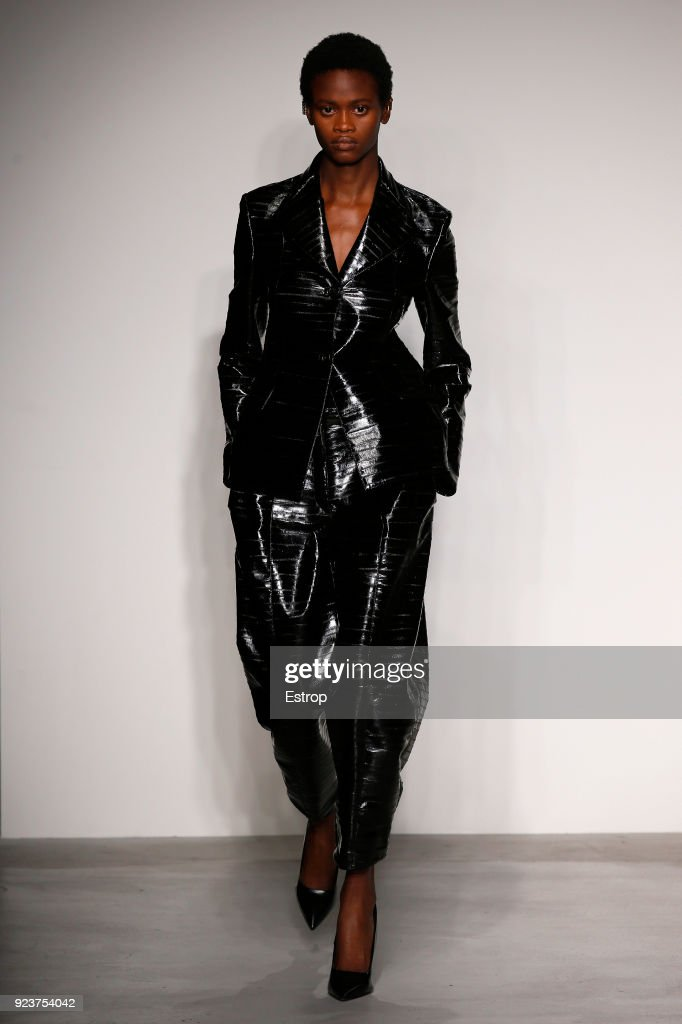 Krizia - Runway - Milan Fashion Week Fall/Winter 2018/19 : ニュース写真