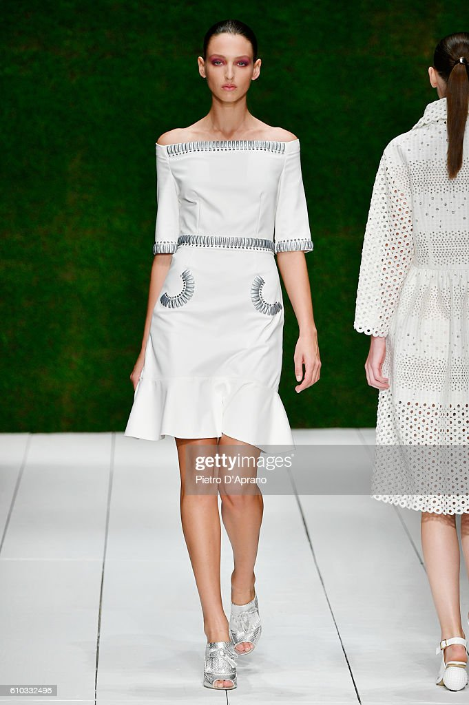 Laura Biagiotti - Runway - Milan Fashion Week SS17 : News Photo