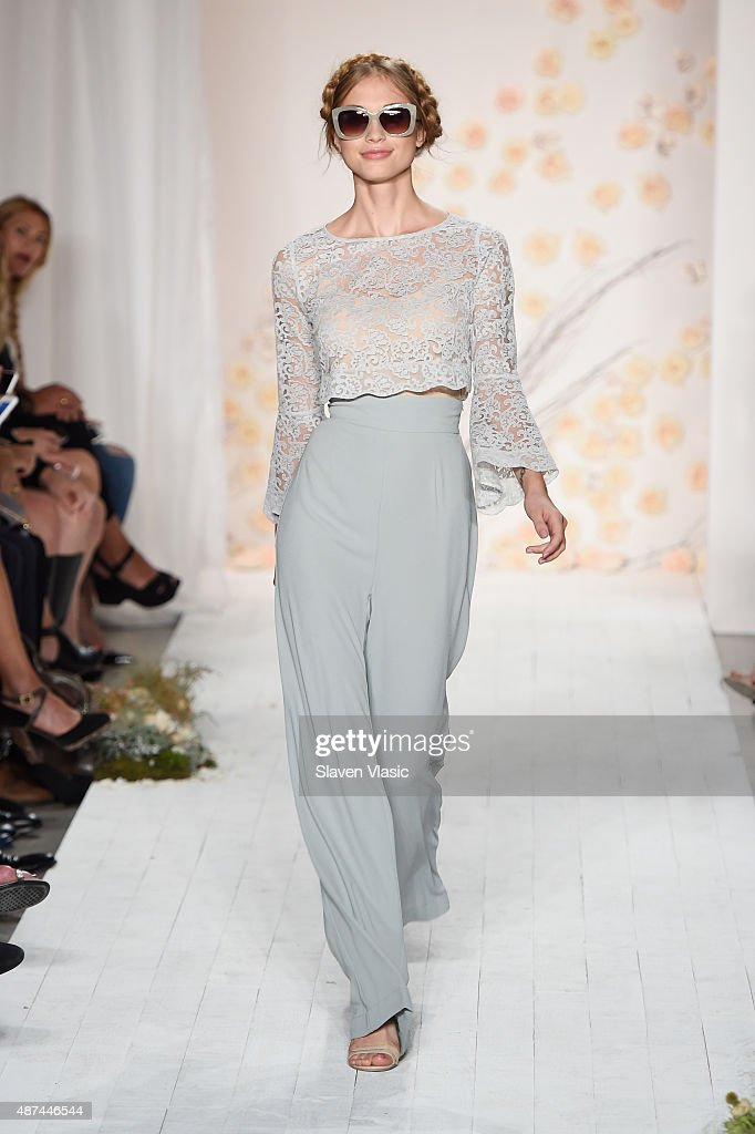 LC Lauren Conrad - Runway - Spring 2016 New York Fashion Week : News Photo