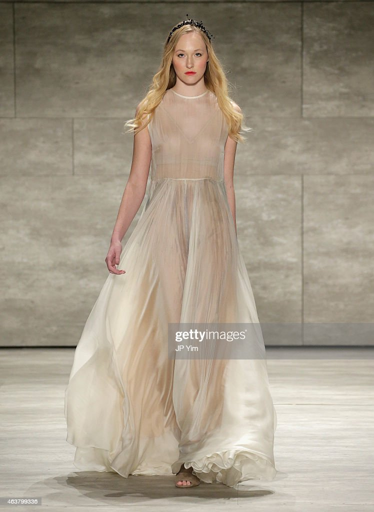 Leanne Marshall - Runway - Mercedes-Benz Fashion Week Fall 2015 : News Photo