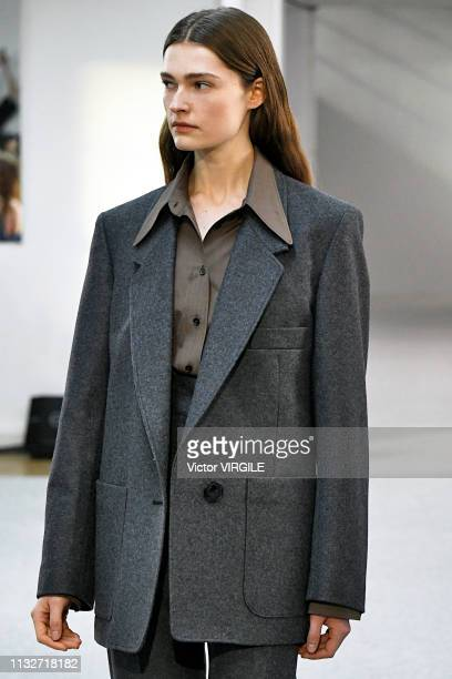 Model walks the runway at the Lemaire Ready to Wear fashion show during Paris Fashion Week Autumn/Winter 2019/2020 on February 27, 2019 in Paris,...