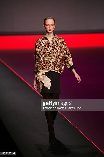 A model walks the runway at the Leonard ReadytoWear A/W 2009 fashion show during Paris Fashion Week at Le Carrousel du Louvre on March 9 2009 in...