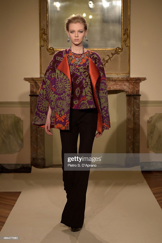 Les Copains - Runway & Close-ups - MFW FW2015 : News Photo