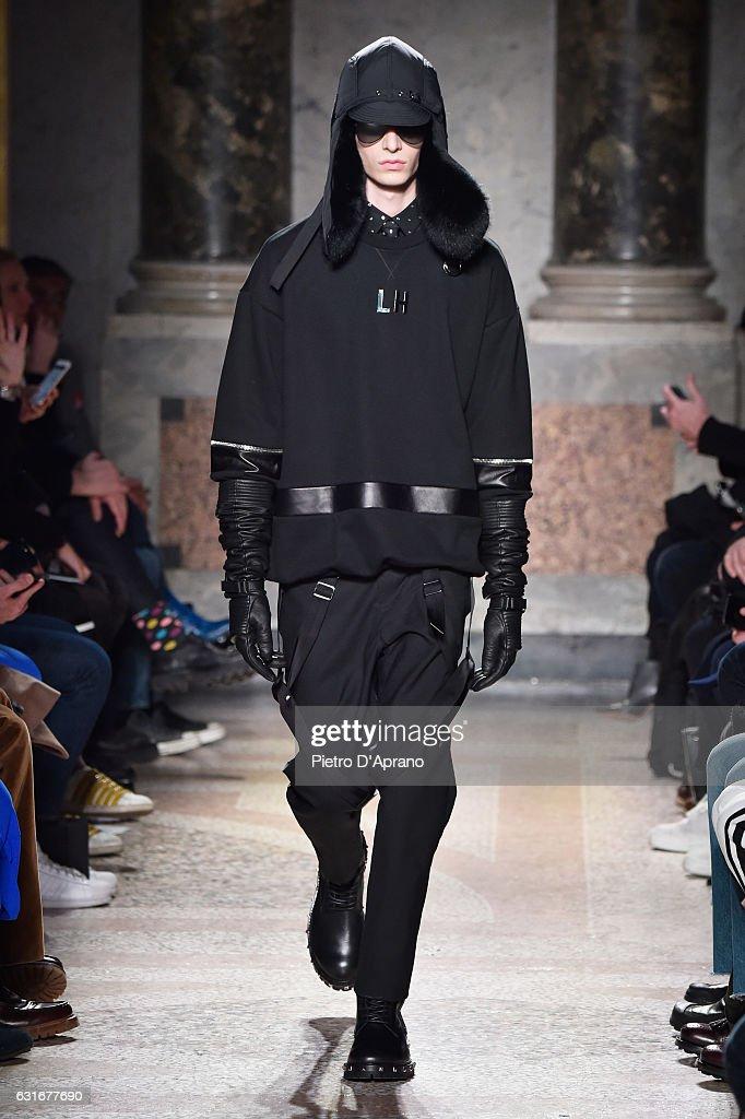 Les Hommes - Runway - Milan Men's Fashion Week Fall/Winter 2017/18 : News Photo