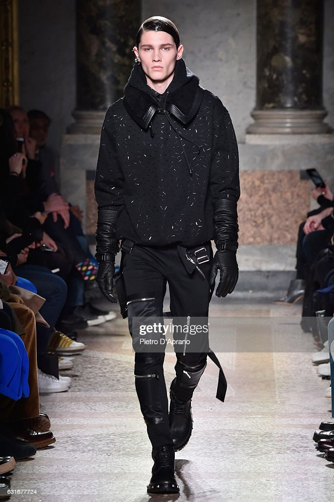 Les Hommes - Runway - Milan Men's Fashion Week Fall/Winter 2017/18 : News Photo