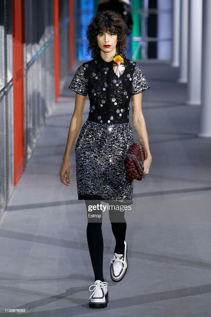 Louis Vuitton : Runway - Paris Fashion Week Womenswear Fall/Winter 2019/2020 : ニュース写真