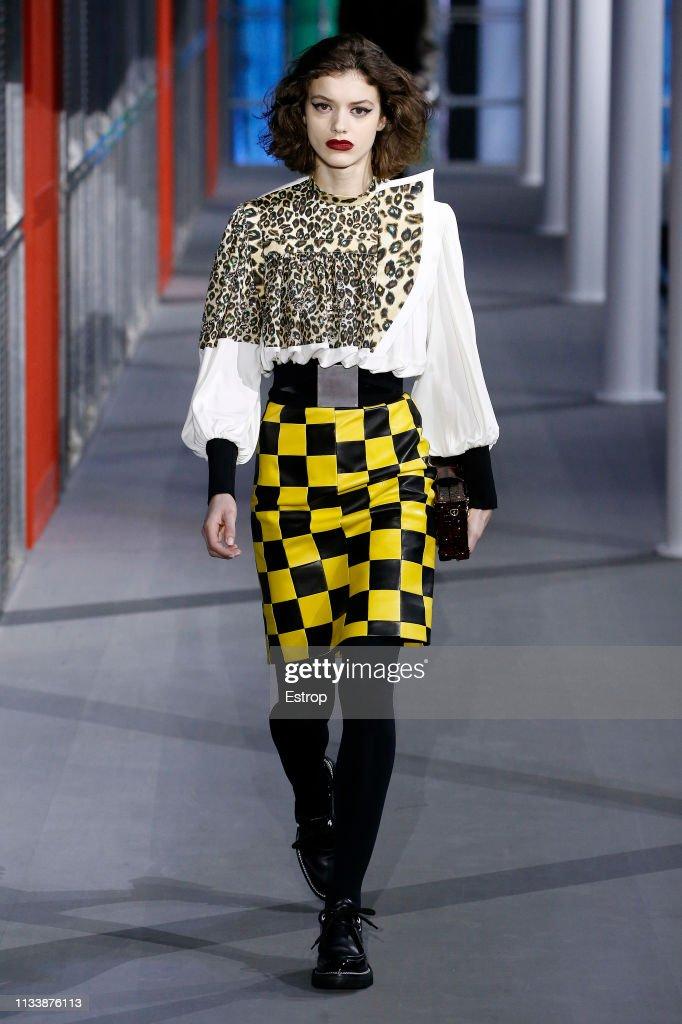 Louis Vuitton : Runway - Paris Fashion Week Womenswear Fall/Winter 2019/2020 : Nachrichtenfoto
