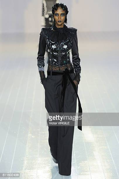A model walks the runway at the Marc Jacobs Fall/Winter 2016 fashion show during New York Fashion Week on February 18 2016 in New York City