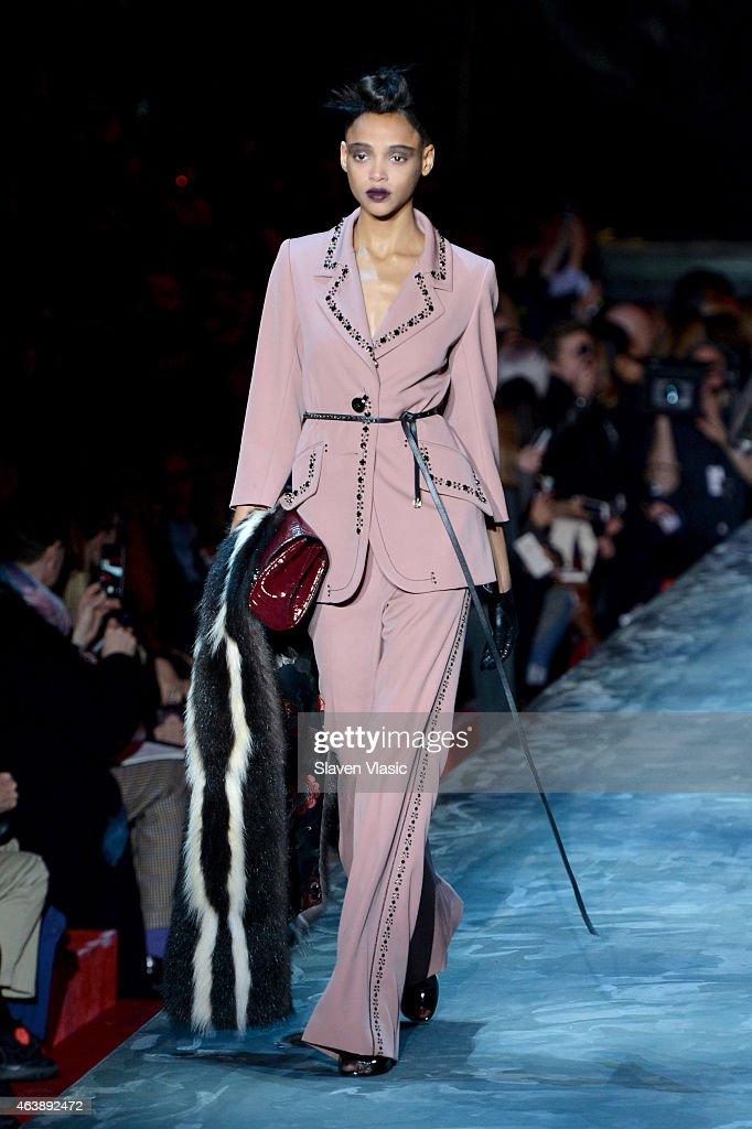 Marc Jacobs - Runway - Mercedes-Benz Fashion Week Fall 2015 : News Photo