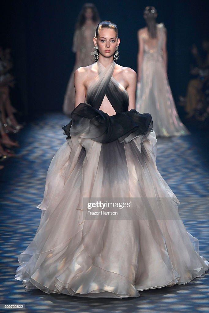 NY: Marchesa - Runway - September 2016 - New York Fashion Week: The Shows