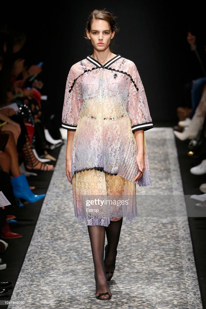 model-walks-the-runway-at-the-marco-de-vincenzo-show-during-milan-picture-id1041943292