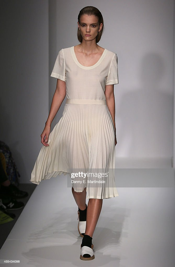 Margaret Howell: Runway - London Fashion Week SS15 : News Photo