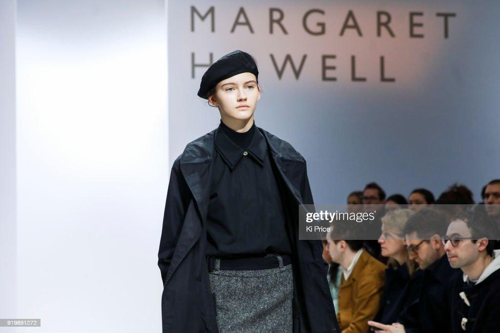 Margaret Howell - Runway - LFW February 2018 : News Photo