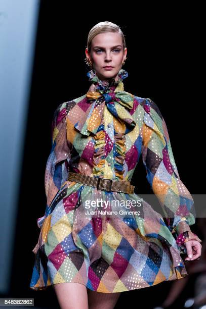 A model walks the runway at the Maria Escote show during the MercedesBenz Fashion Week Madrid Spring/Summer 2018 at Ifema on September 17 2017 in...