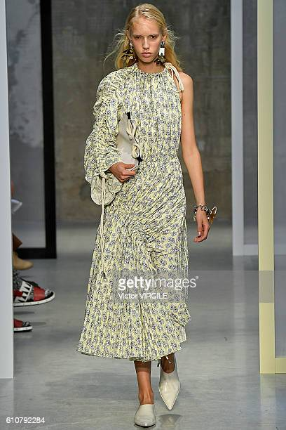 A model walks the runway at the Marni designed by Consuelo Castiglioni Ready to Wear show during Milan Fashion Week Spring/Summer 2017 on September...