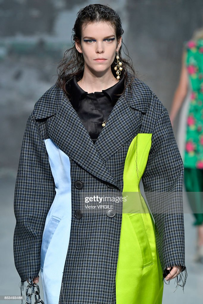 Marni - Runway - Milan Fashion Week Spring/Summer 2018 : Nachrichtenfoto