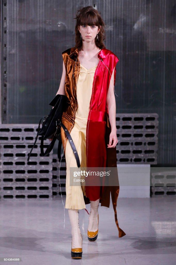 Marni - Runway - Milan Fashion Week Fall/Winter 2018/19 : News Photo