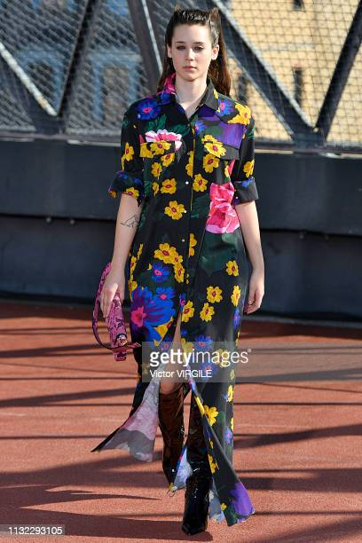 A model walks the runway at the Marques Almeida Ready to Wear Fall/Winter 20192020 fashion show at Paris Fashion Week Autumn/Winter 2019/20 on...