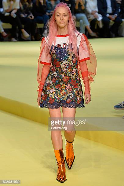 Model walks the runway at the Marques'Almeida Spring Summer 2017 fashion show during London Fashion Week on September 20, 2016 in London, United...