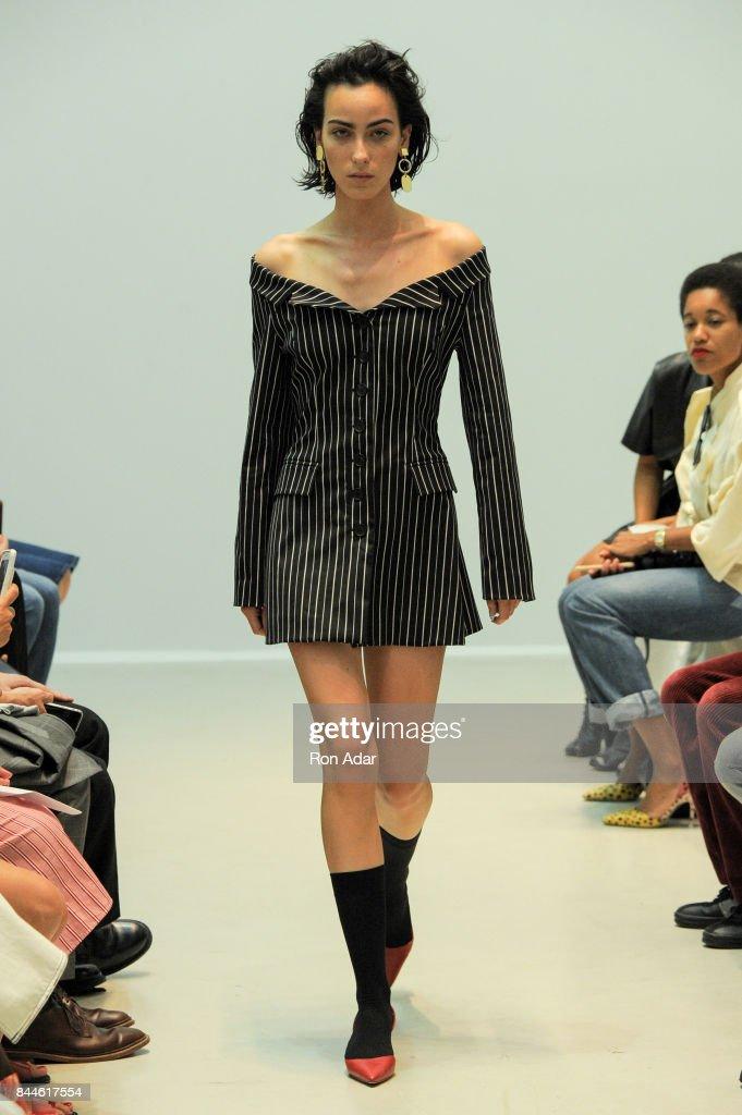 Matthew Adams Dolan - Runway - September 2017 - New York Fashion Week : ニュース写真