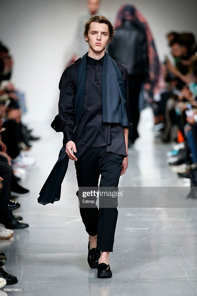 Matthew Miller - Runway - LFW Men's January 2017 : News Photo