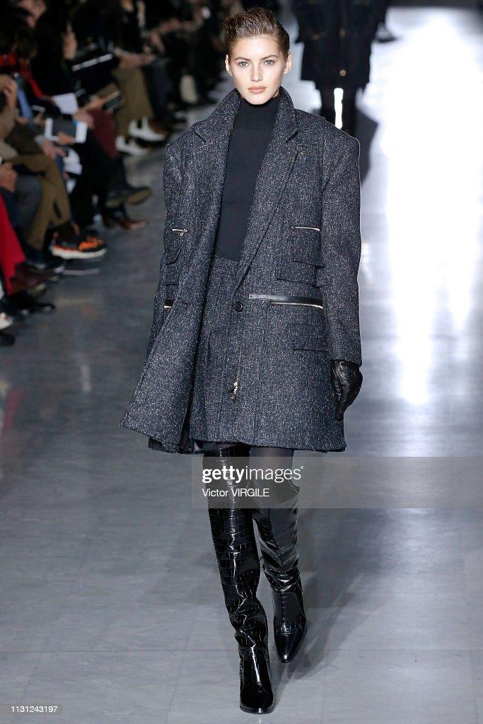 Max Mara - Runway - Milan Fashion Week Autumn/Winter 2019/20 : News Photo