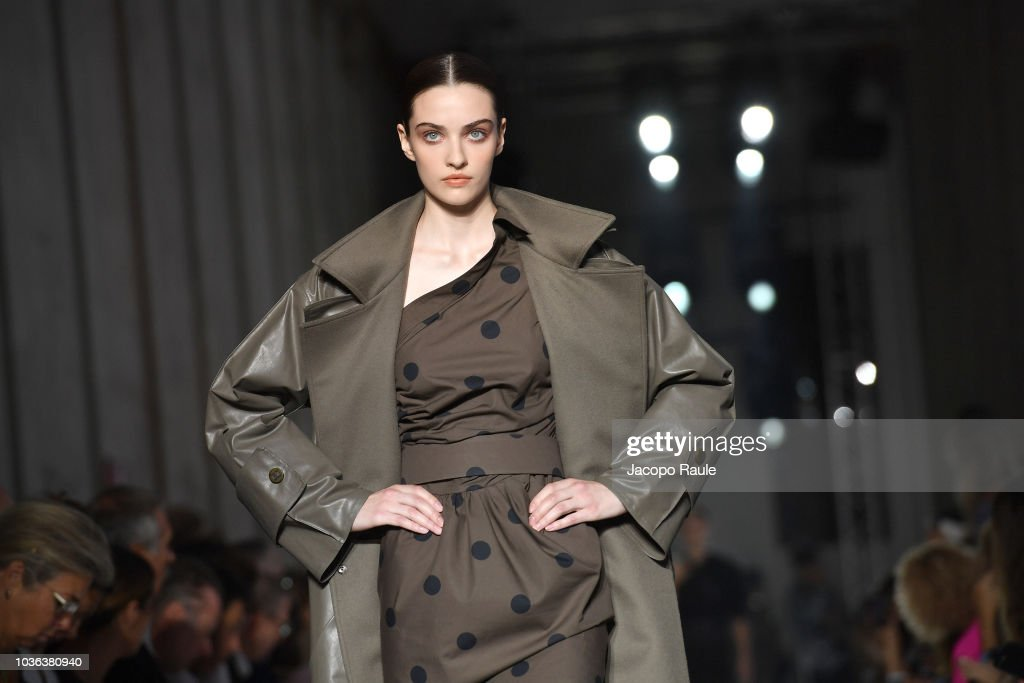 Max Mara - Runway - Milan Fashion Week Spring/Summer 2019 : News Photo