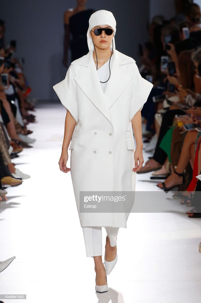 Max Mara - Runway - Milan Fashion Week Spring/Summer 2019 : News Photo