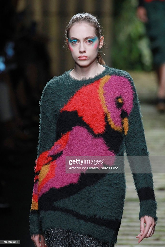 A model walks the runway at the Max Mara show during Milan Fashion Week Spring/Summer 2017 on September 22, 2016 in Milan, Italy.