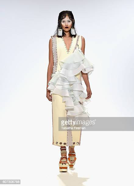 A model walks the runway at the Merit Award Han Wen show at Fashion Scout during London Fashion Week Spring/Summer collections 2017 on September 17...