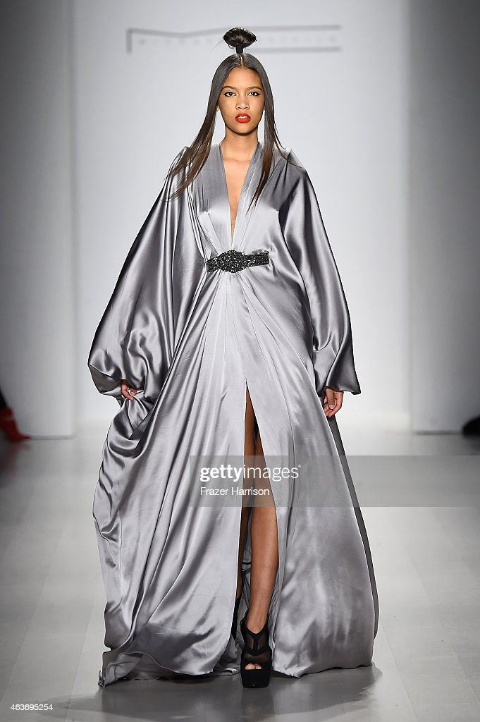 Michael Costello - Runway - Mercedes-Benz Fashion Week Fall 2015 : News Photo