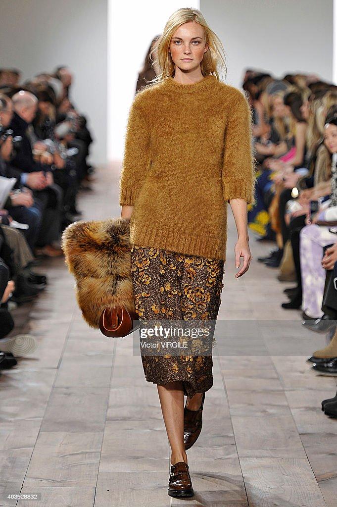 Michael Kors  - Runway - Mercedes-Benz Fashion Week Fall 2015 : News Photo