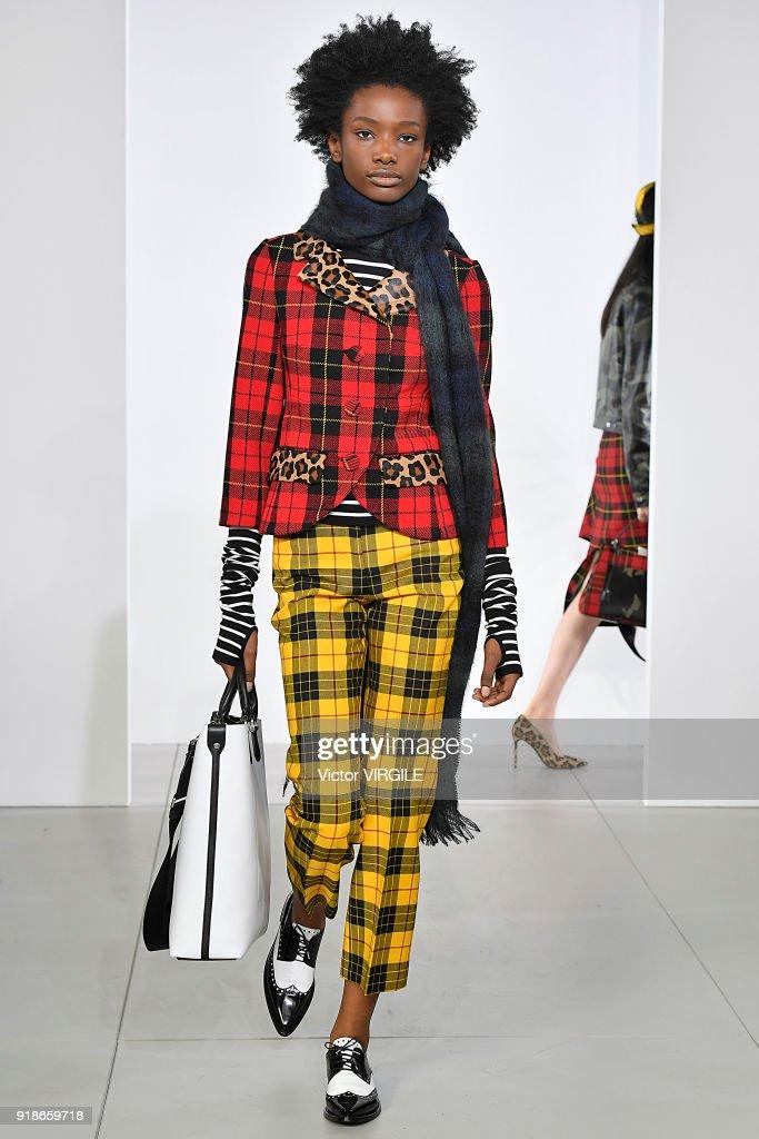Michael Kors - Runway - February 2018 - New York Fashion Week : News Photo
