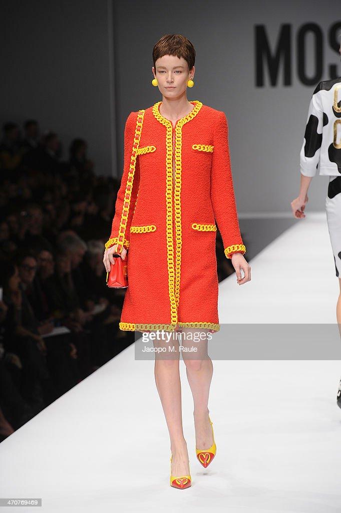 Moschino - Runway - Milan Fashion Week Womenswear Autumn/Winter 2014 : Fotografia de notícias