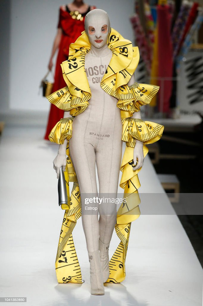 Moschino - Runway - Milan Fashion Week Spring/Summer 2019 : ニュース写真