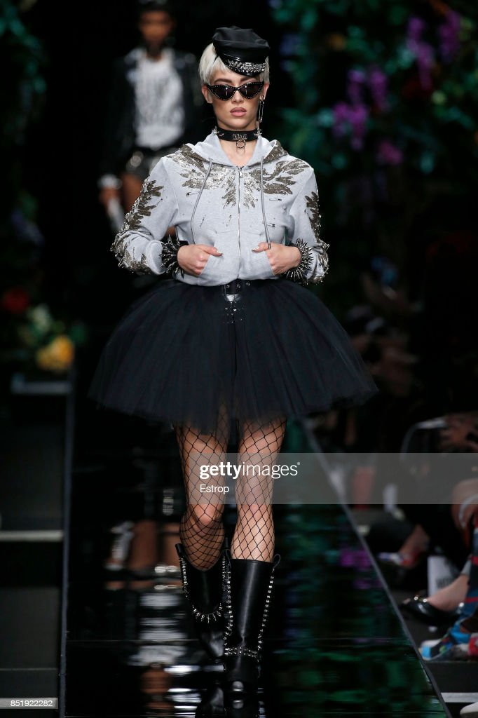 Moschino - Runway - Milan Fashion Week Spring/Summer 2018 : News Photo
