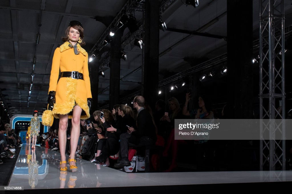 Moschino - Runway - Milan Fashion Week Fall/Winter 2018/19 : Nachrichtenfoto