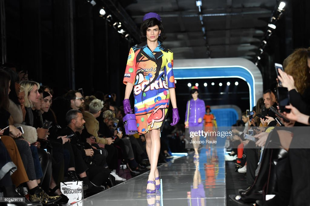 Moschino - Runway - Milan Fashion Week Fall/Winter 2018/19 : News Photo