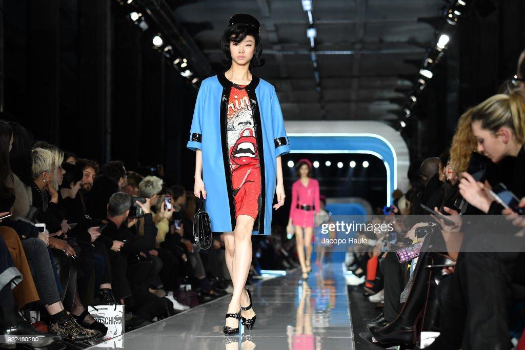 Moschino - Runway - Milan Fashion Week Fall/Winter 2018/19 : ニュース写真