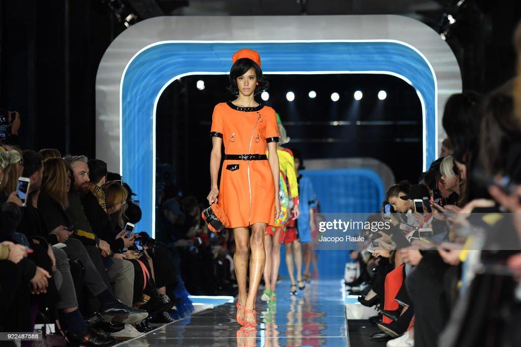 Moschino - Runway - Milan Fashion Week Fall/Winter 2018/19 : Nachrichtenfoto