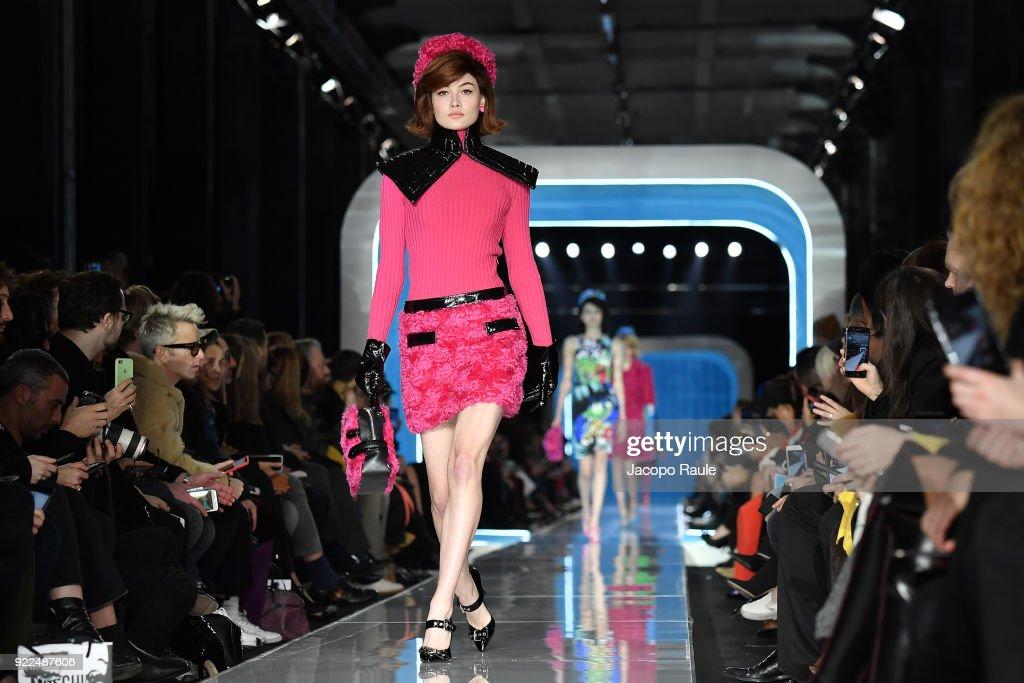 Moschino - Runway - Milan Fashion Week Fall/Winter 2018/19 : Fotografía de noticias